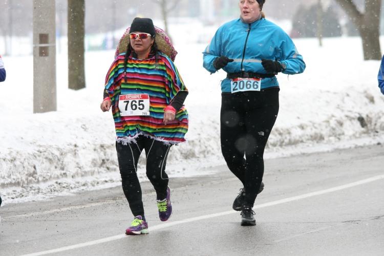 Colourful poncho at half chilli marathon in Burlington, ON