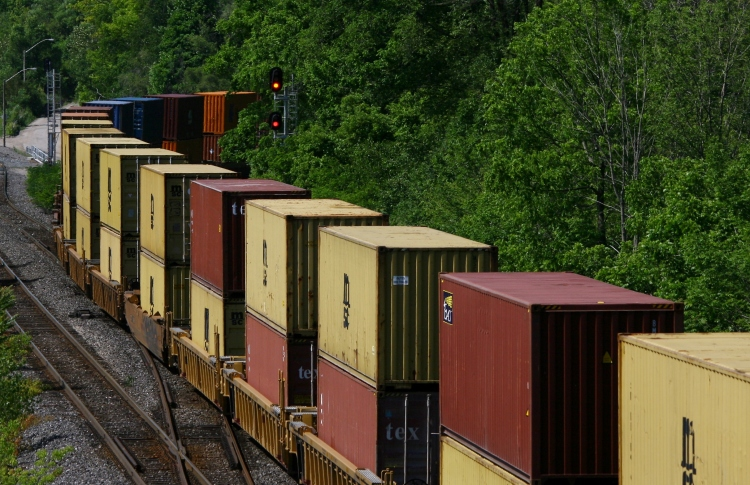 Double stacked railway cars